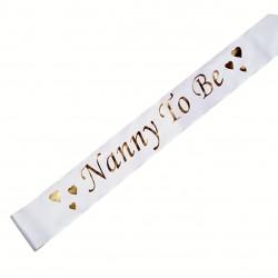 Witte sjerp met hartjes en in gouden letters de tekst Nanny to Be