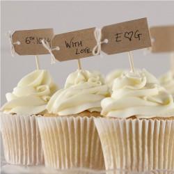 Pak van 12 cupcake sticks met een blanco kartonnen kaartje en een strikje van touw