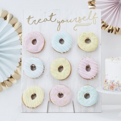 Donut Wall Treat Yourself voor de sweettable