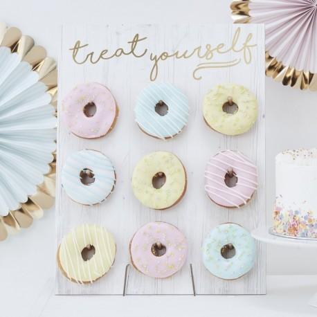 Donut Wall Treat Yourself voor de sweettable
