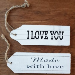 Houten bord aan vintage touw I Love You, Just Married of Made with Love