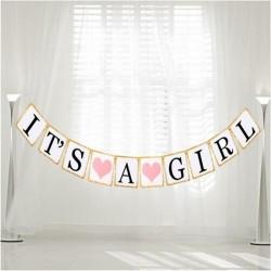 Banner It's a Girl met kartonnen kaarten met letters en roze hartjes