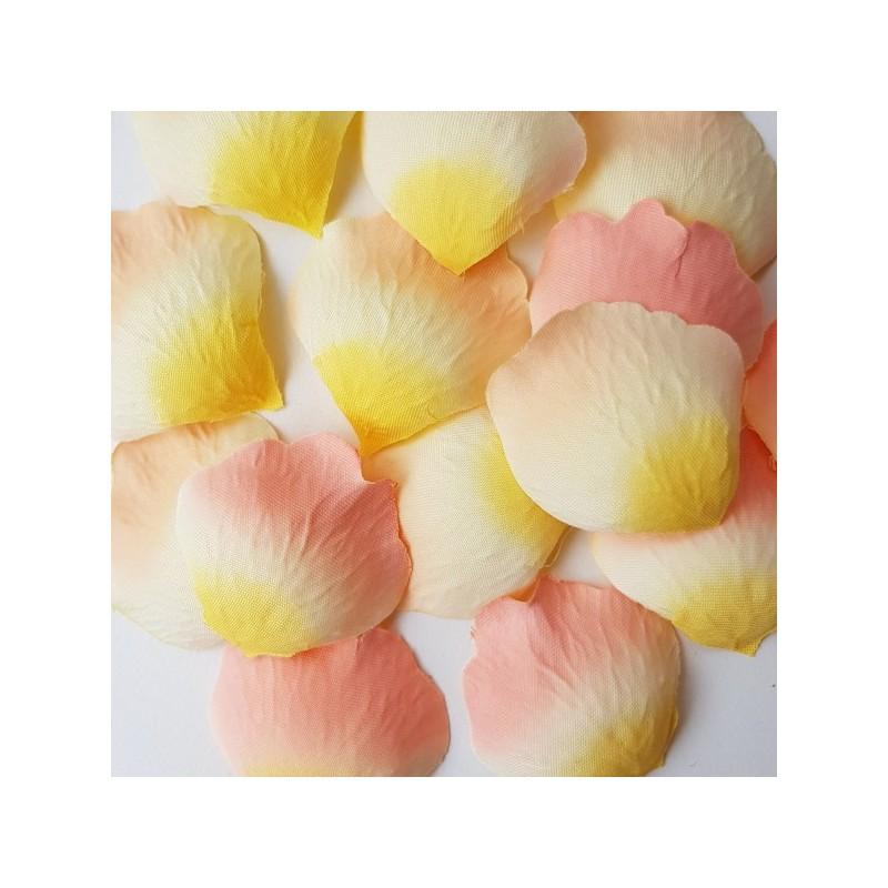 stoffen rozenblaadjes