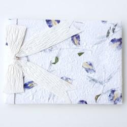 Natural Leaves with a touch of Blue ecovriendelijk gasten- c.q. fotoboek