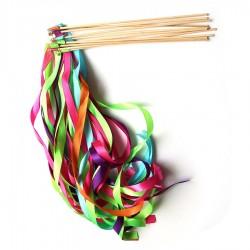 Pak met 10 vrolijke multi coloured zwaaistokjes met 2 lintjes en een belletje