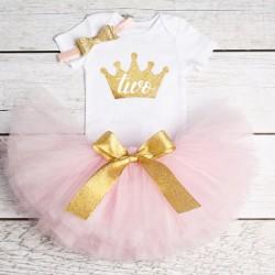 Driedelig tweede verjaardag setje voor een meisje in de kleuren wit, goud en licht roze