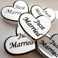 Antenne decoratie foam hartje met de tekst Just Married