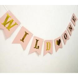 Banner A Wild One zacht roze met goud