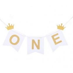 Banner One wit met twee gouden kroontjes en het woord One