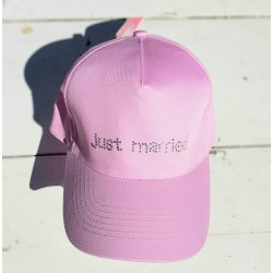 Cap met in strass steentjes de tekst Just Married roze
