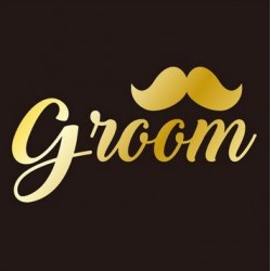 Goudkleurige tatoeage Groom moustache