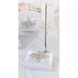 Pennenset Jewel on white Satin