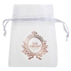 Pak met 10 witte organza zakjes met in rosé goud Just Married