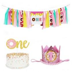 3-delige Donut de Luxe eerste verjaardags set met hoedje, stoffen slinger en taart topper
