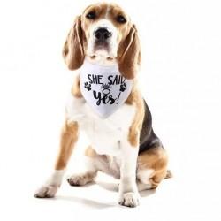 Honden bandana wit met in zwart de tekst She Said Yes