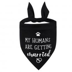 Honden bandana zwart met in wit de tekst My Humans are getting Married