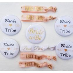 10 delige set met 5 buttons en 5 armbanden Bride Tribe wit en rose goud met goud