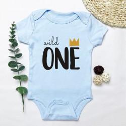Baby romper Wild One licht blauw met zwarte opdruk met goudkleurig kroontje