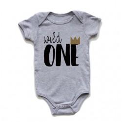 Baby romper Wild One grijs met zwarte opdruk met goudkleurig kroontje