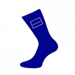 Blauwe sokken voor de huwelijksdag met witte tekst