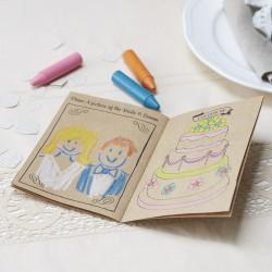 Vintage kinderboekje met 10 pagina's vol kleurplaten en spelletjes