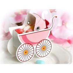 Pak met tien kartonnen geschenkdoosjes in de vorm van een wandelwagen roze