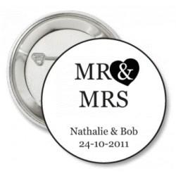 Button Mr and Mrs wit met zwarte tekst of zwart met witte tekst