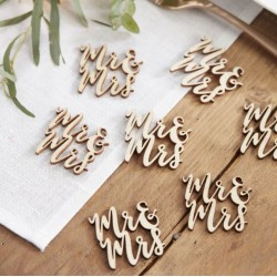 Pak met 25 stuks houten tafelconfetti Mr & Mrs Beautiful Botanics