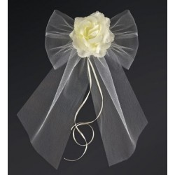 Pak met 2 grote ivoorkleurige tule strikken met roos