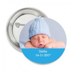 Button Baby met eigen foto of afbeelding met licht blauw tekstvlak aan de onderkant