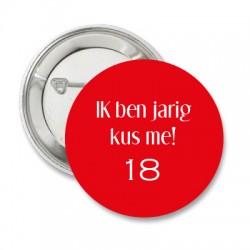Button Effen rood met diverse tekst mogelijkheden