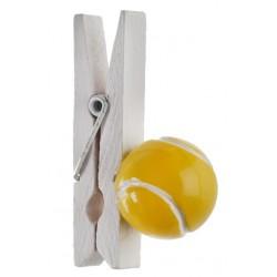 Pak met 4 wit houten knijpers met een tennisbal