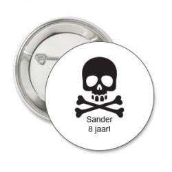 Button Piraat wit met zwart met eigen tekst