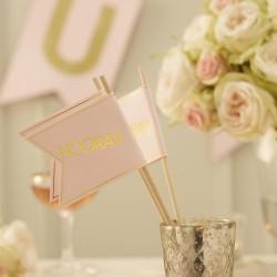 Pak met 10 vlaggetjes Perfect Love pink and gold met een hoogte van 30 cm