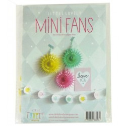 Aandoenlijk gekleurde mini fans pastel van a Little Lovely Company